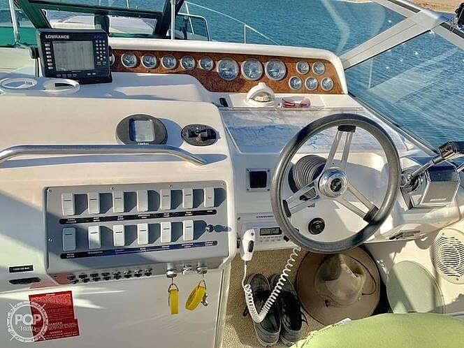 1995 Sea Ray boat for sale, model of the boat is 290 Sundancer & Image # 11 of 26