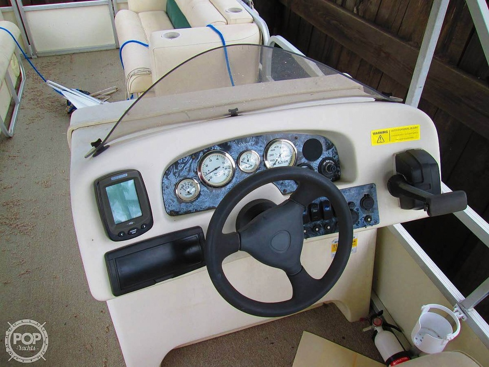2003 Odyssey boat for sale, model of the boat is MILLENIUM 2102 & Image # 4 of 26