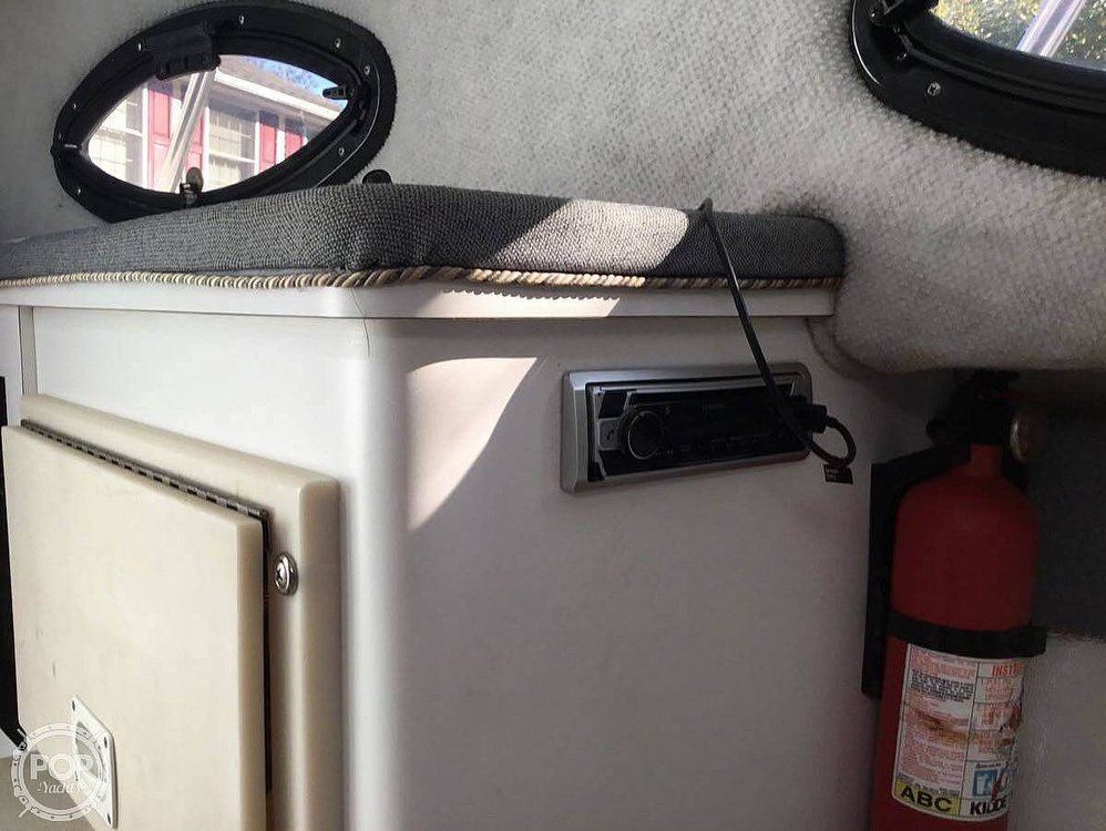 2001 Wellcraft 270 coastal - image 6