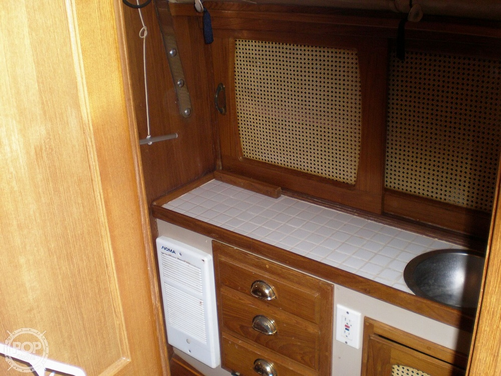 1981 Lancer Yachts boat for sale, model of the boat is 42 & Image # 9 of 33