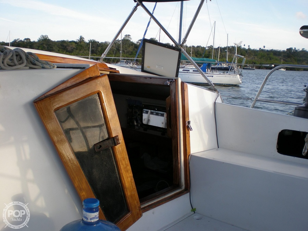 1981 Lancer Yachts boat for sale, model of the boat is 42 & Image # 24 of 33