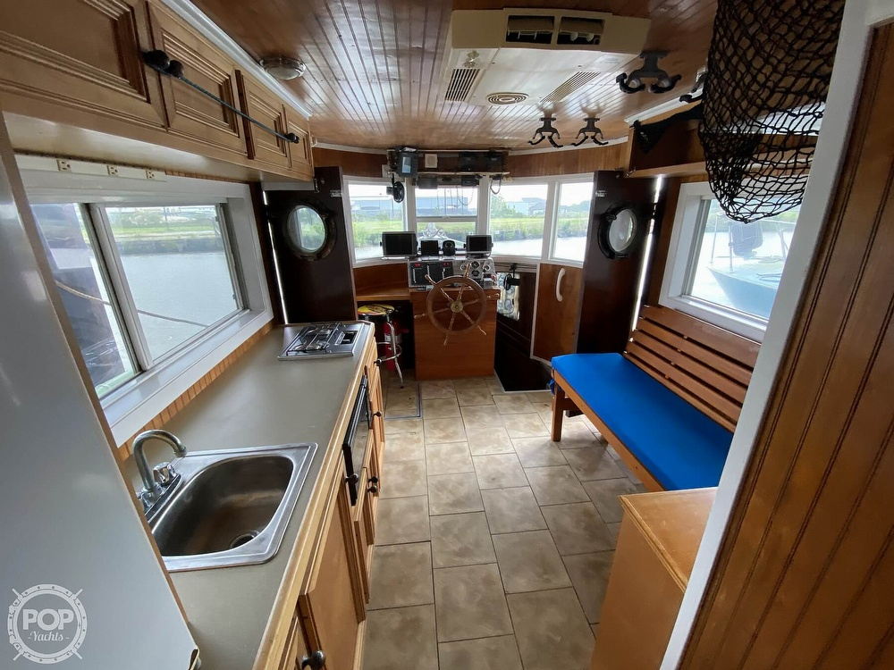 1983 Pleasure Craft boat for sale, model of the boat is 40 & Image # 5 of 40