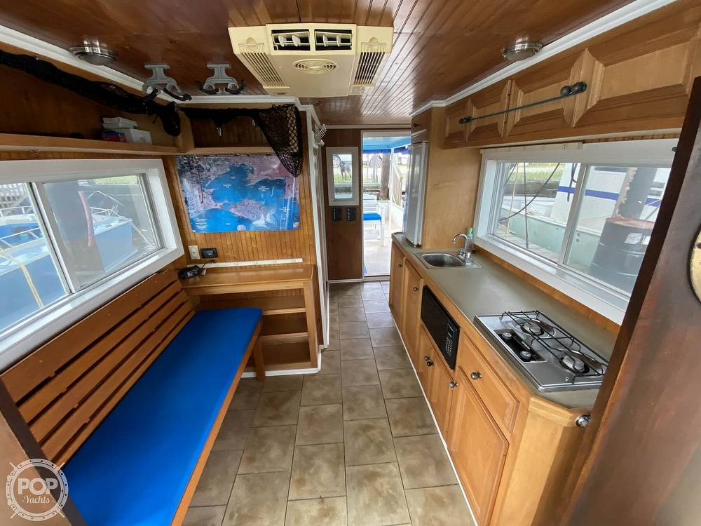 1983 Pleasure Craft boat for sale, model of the boat is 40 & Image # 3 of 40