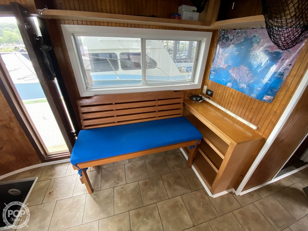 1983 Pleasure Craft boat for sale, model of the boat is 40 & Image # 27 of 40