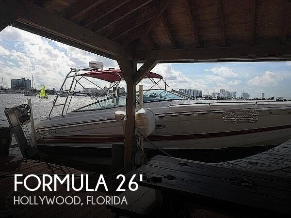 2002 Formula boat for sale, model of the boat is 260 Sun Sport & Image # 1 of 40