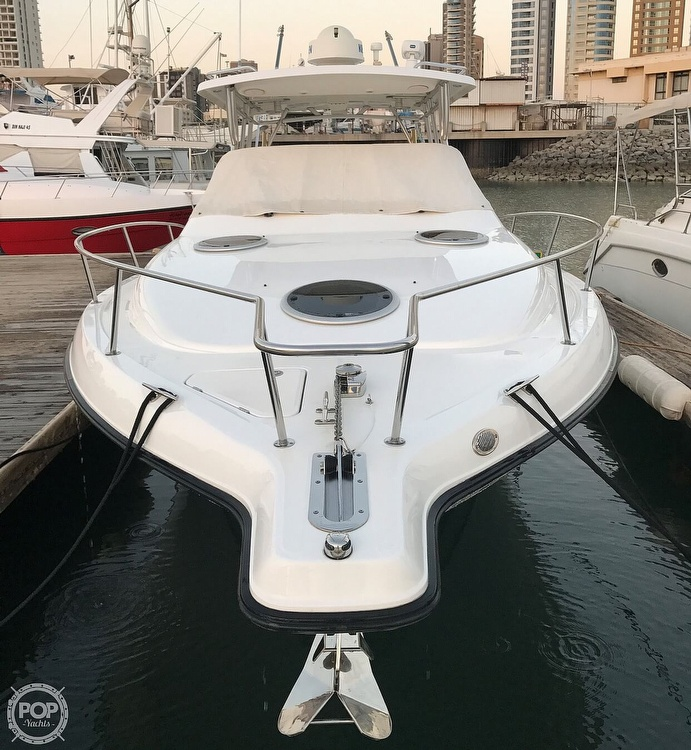 2008 Century boat for sale, model of the boat is 3200 OFFSHORE Walkaround & Image # 10 of 29