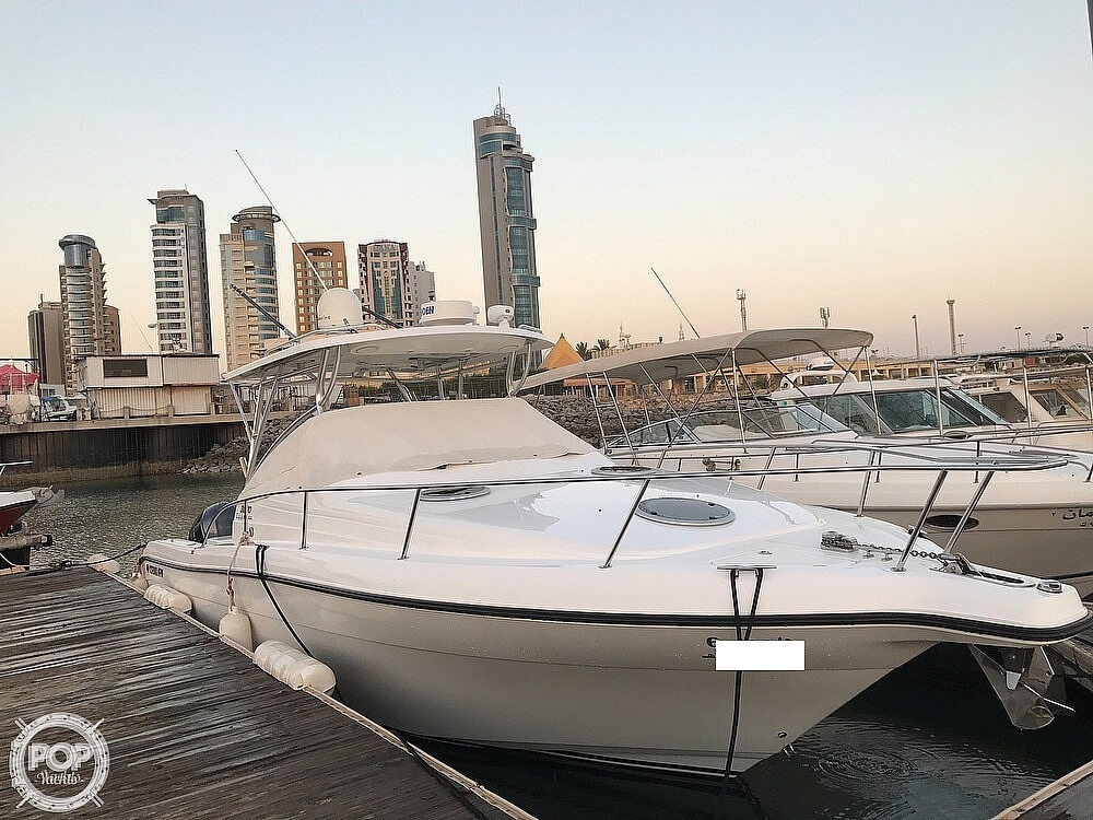 2008 Century boat for sale, model of the boat is 3200 OFFSHORE Walkaround & Image # 4 of 29