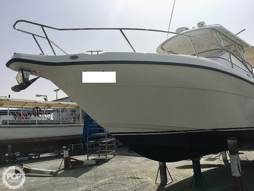 2008 Century boat for sale, model of the boat is 3200 OFFSHORE Walkaround & Image # 5 of 29