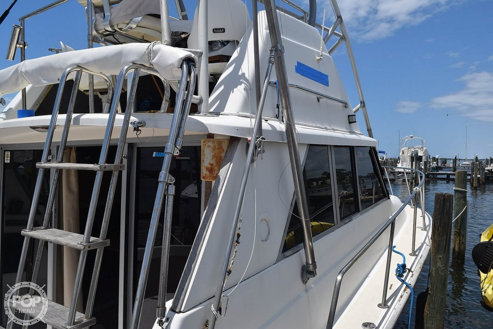 1985 Silverton boat for sale, model of the boat is 31 CONVERTIBLE & Image # 16 of 40