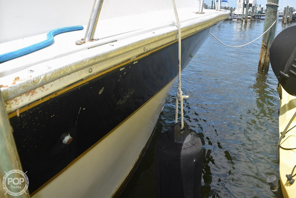 1985 Silverton boat for sale, model of the boat is 31 CONVERTIBLE & Image # 20 of 40