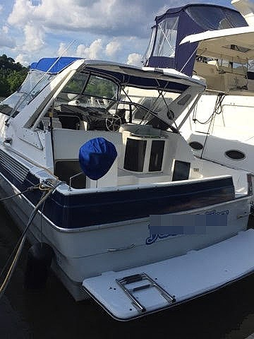 1989 Bayliner boat for sale, model of the boat is Avanti 3255 & Image # 2 of 19