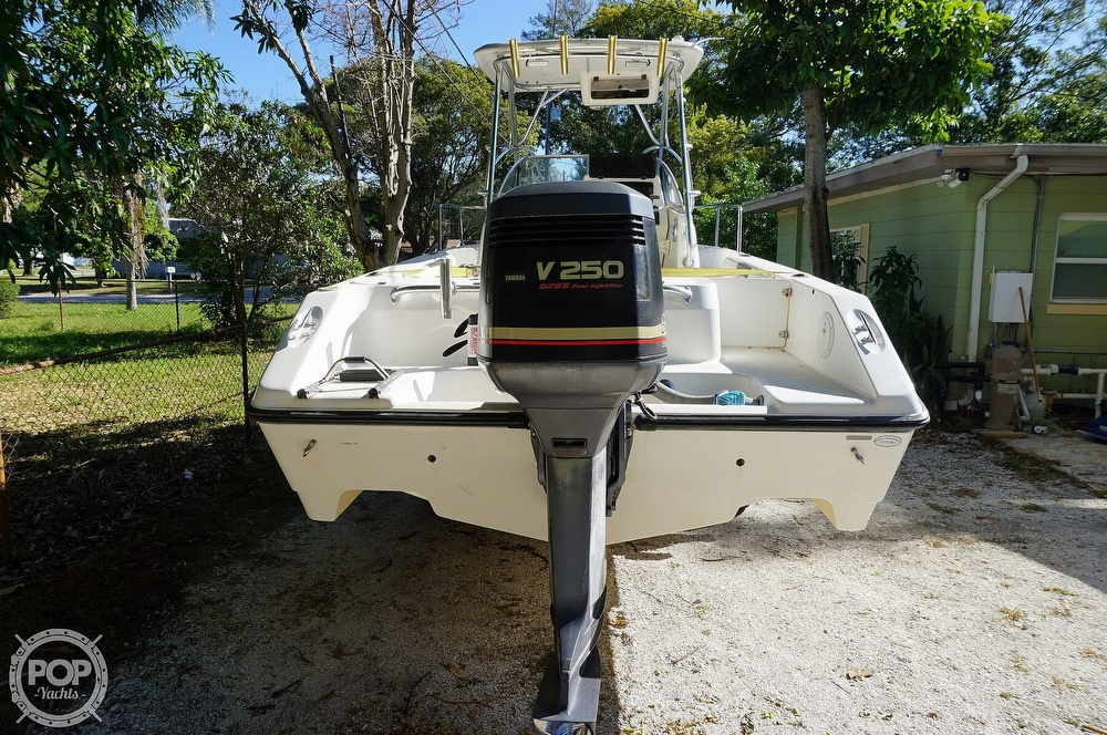 2001 Century boat for sale, model of the boat is 2600 WA & Image # 12 of 40