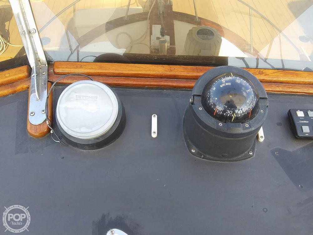 1984 Chien Hwa boat for sale, model of the boat is CHB35 & Image # 20 of 40