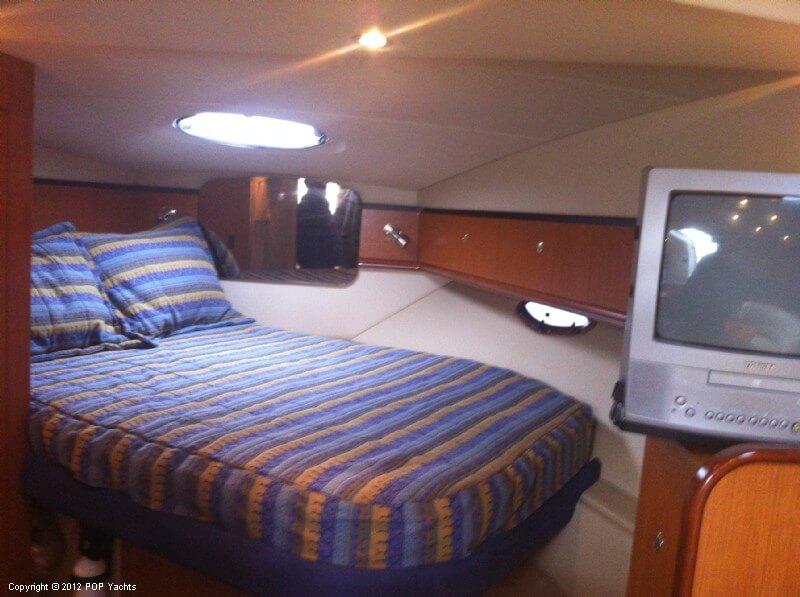2004 Cruisers 340 Express - Photo #6