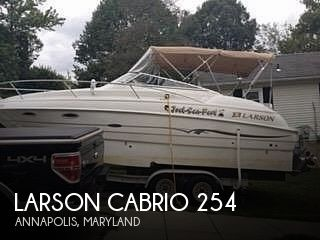 2001 Larson boat for sale, model of the boat is Cabrio 254 & Image # 1 of 17