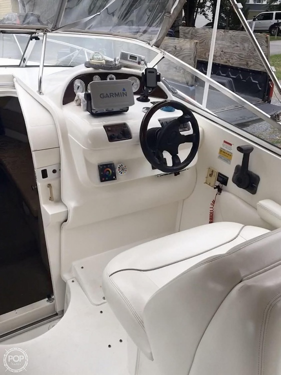 2001 Larson boat for sale, model of the boat is Cabrio 254 & Image # 2 of 17