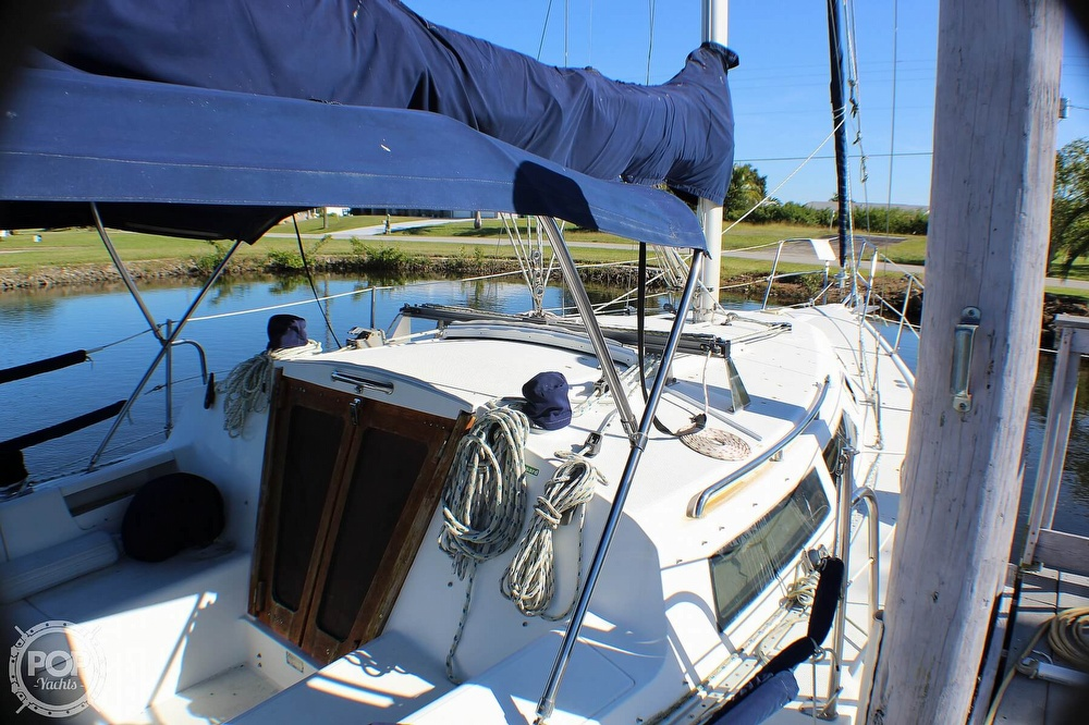 1997 Catalina Yachts boat for sale, model of the boat is 30 MKIII & Image # 31 of 40