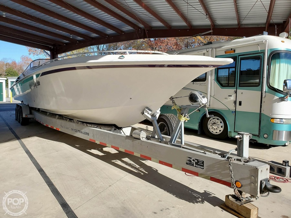 1999 Fountain boat for sale, model of the boat is 47 Lightning & Image # 3 of 40