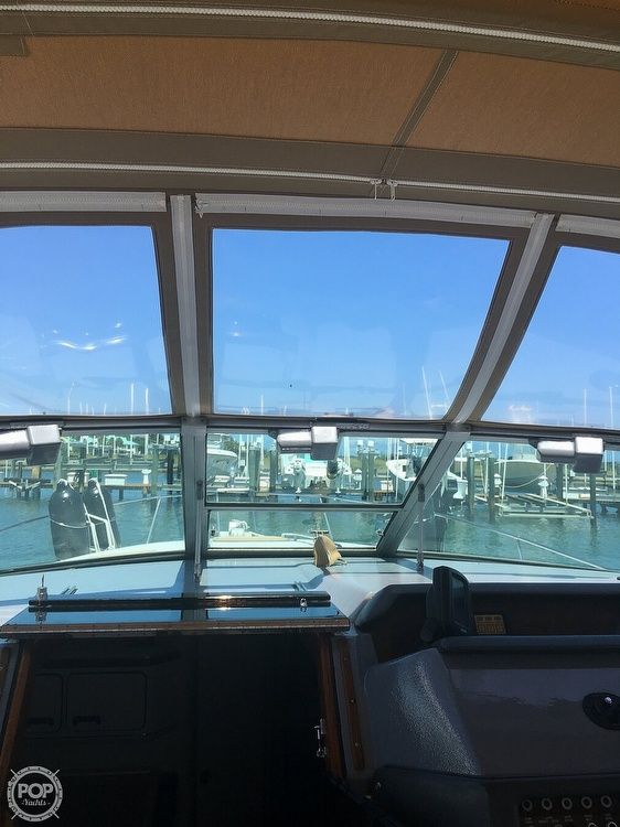 1992 Sea Ray boat for sale, model of the boat is 330 & Image # 3 of 41