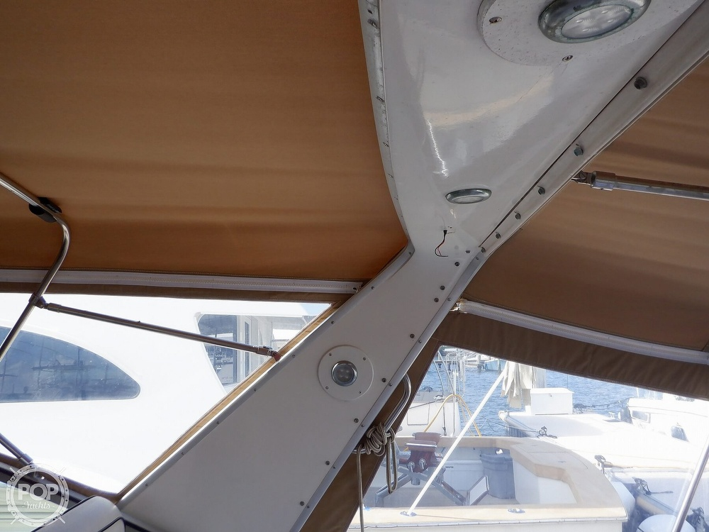 1992 Sea Ray boat for sale, model of the boat is 330 & Image # 25 of 41