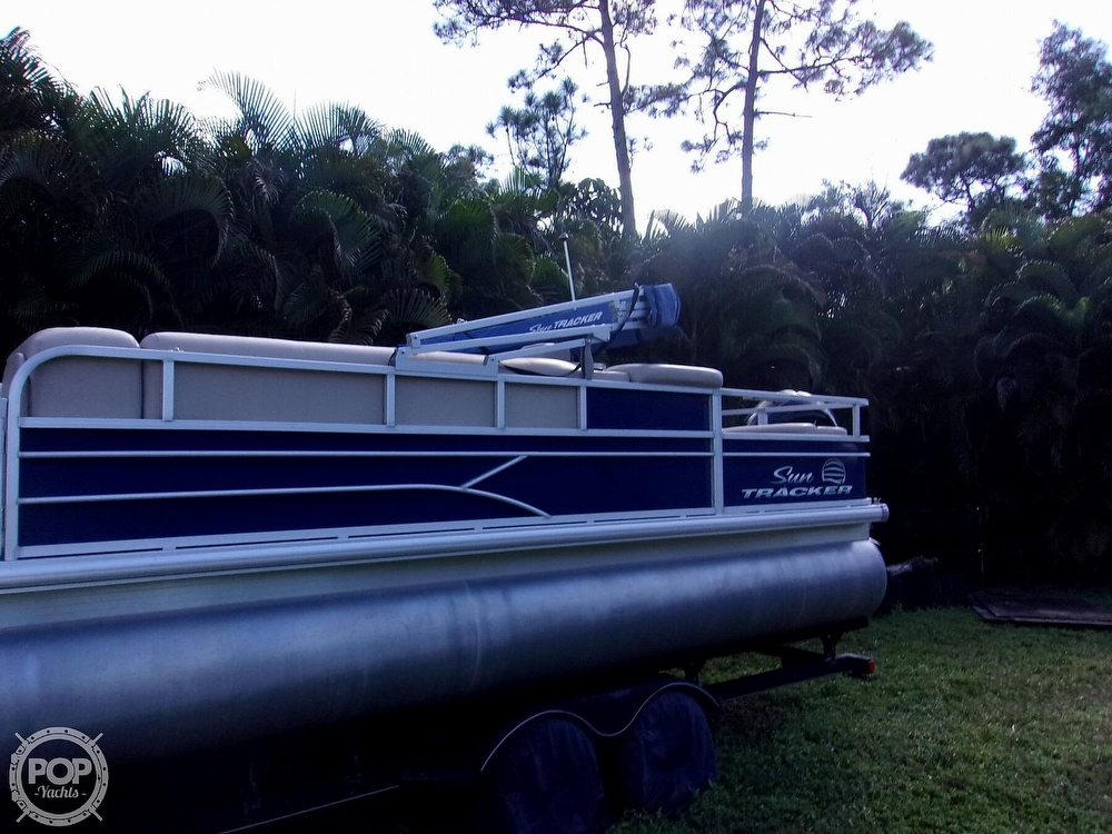 2017 Sun Tracker boat for sale, model of the boat is FB 24 & Image # 3 of 41