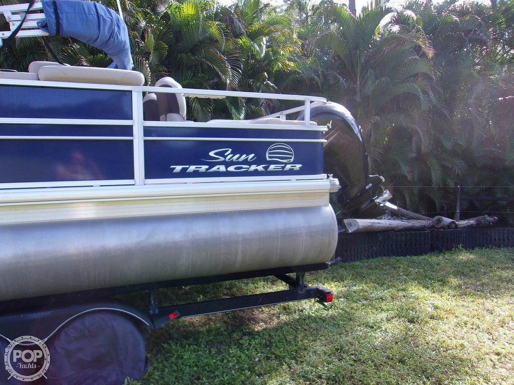 2017 Sun Tracker boat for sale, model of the boat is FB 24 & Image # 4 of 41