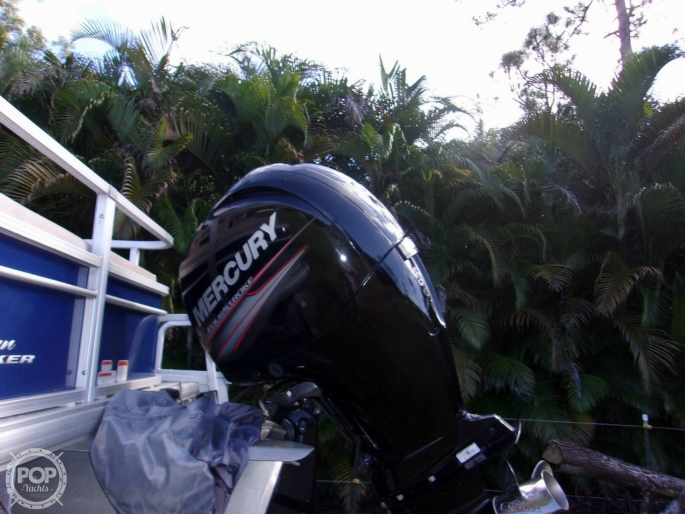 2017 Sun Tracker boat for sale, model of the boat is FB 24 & Image # 6 of 41