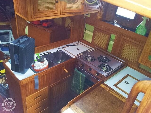 1983 Pan Oceanic boat for sale, model of the boat is 38 & Image # 4 of 13
