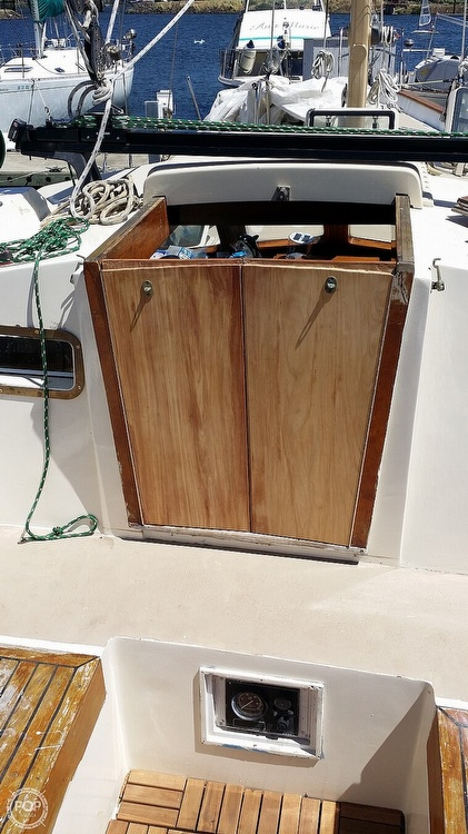 1983 Pan Oceanic boat for sale, model of the boat is 38 & Image # 8 of 13