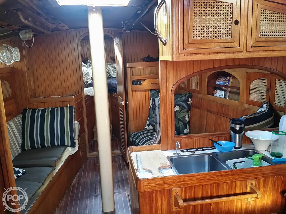 1983 Pan Oceanic boat for sale, model of the boat is 38 & Image # 11 of 13