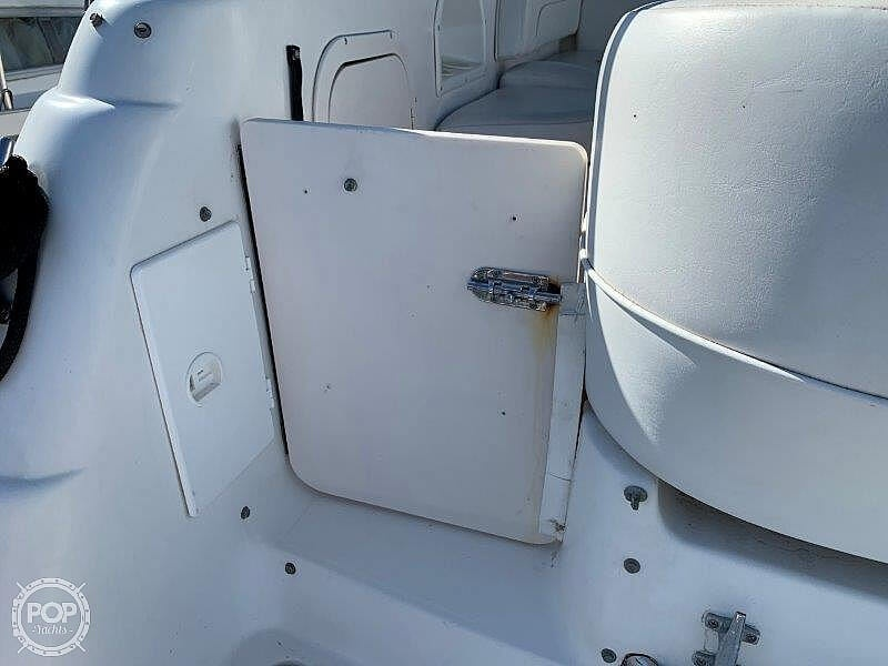 2000 Chaparral boat for sale, model of the boat is Signature 240 & Image # 32 of 40