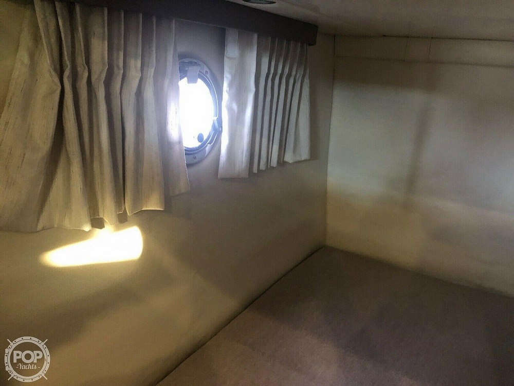 2016 Regal boat for sale, model of the boat is 28 Express & Image # 8 of 40