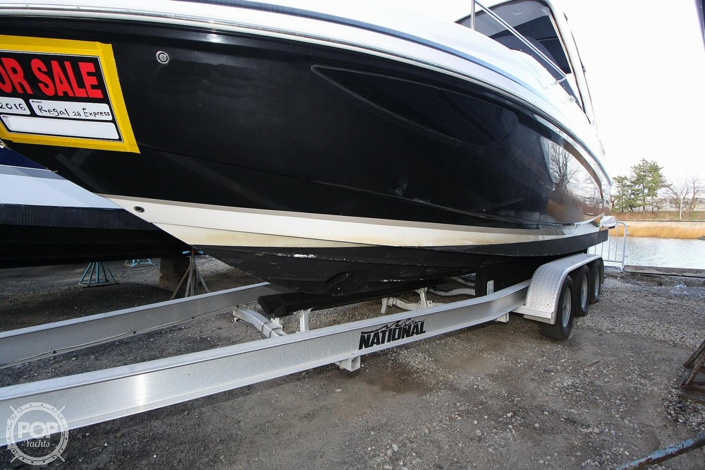 2016 Regal boat for sale, model of the boat is 28 Express & Image # 14 of 40