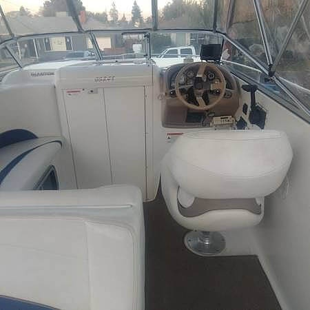 2005 Glastron boat for sale, model of the boat is 249 GS Cruiser & Image # 6 of 9
