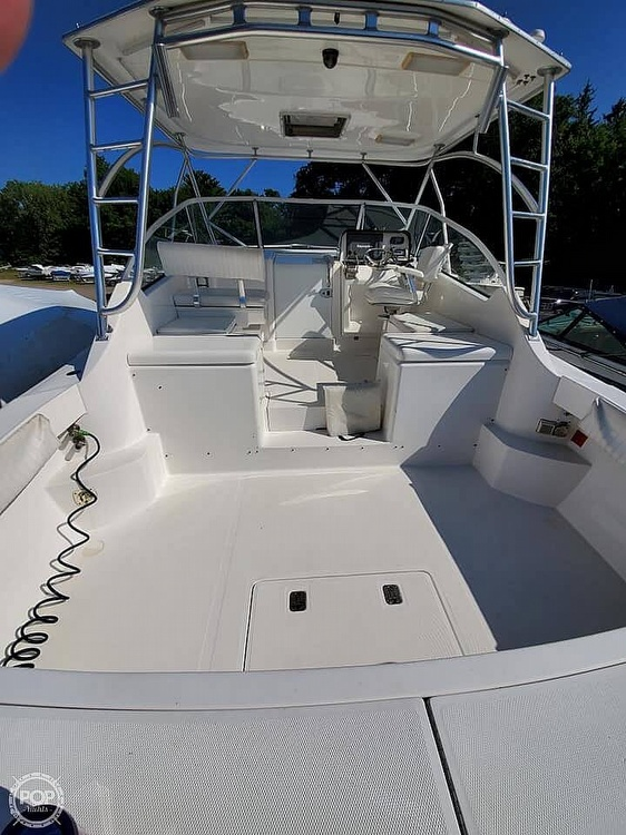 2006 Luhrs boat for sale, model of the boat is 28 Fisherman & Image # 10 of 41