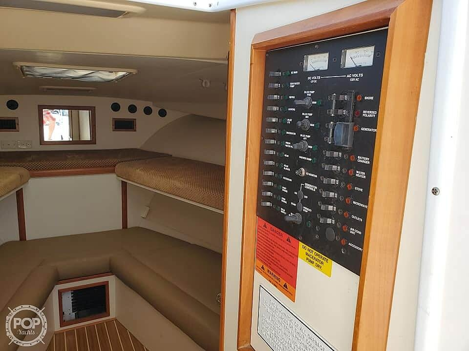 2006 Luhrs boat for sale, model of the boat is 28 Fisherman & Image # 28 of 41