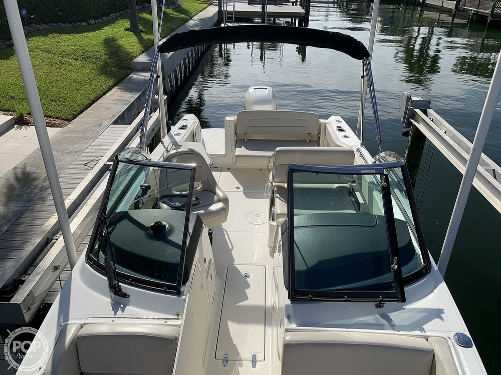 2015 Boston Whaler boat for sale, model of the boat is 230 Vantage & Image # 17 of 40