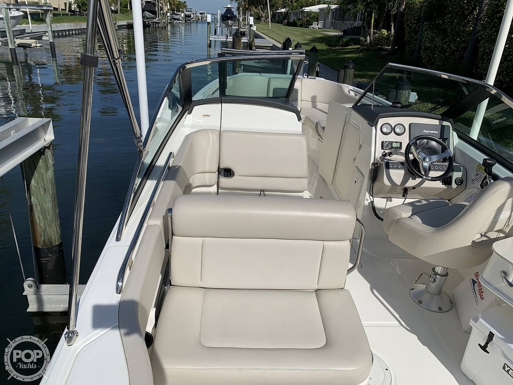 2015 Boston Whaler boat for sale, model of the boat is 230 Vantage & Image # 13 of 40