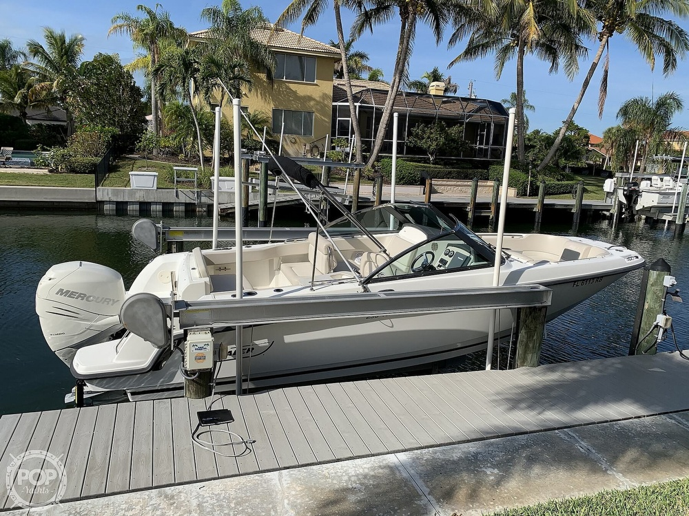 2015 Boston Whaler boat for sale, model of the boat is 230 Vantage & Image # 6 of 40