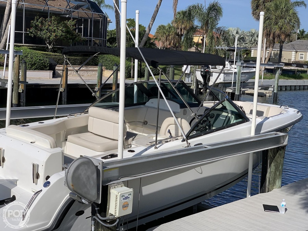 2015 Boston Whaler boat for sale, model of the boat is 230 Vantage & Image # 2 of 40