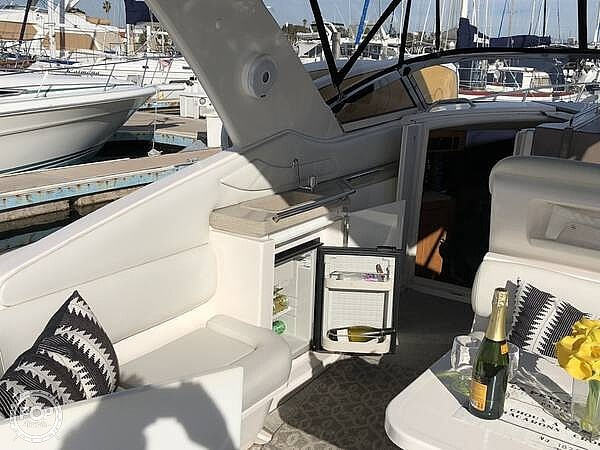 2004 Regal boat for sale, model of the boat is Commodore 3260 & Image # 9 of 26