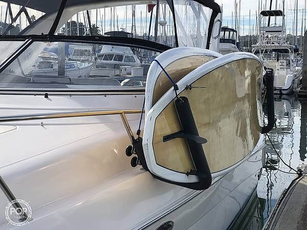 2004 Regal boat for sale, model of the boat is Commodore 3260 & Image # 16 of 26