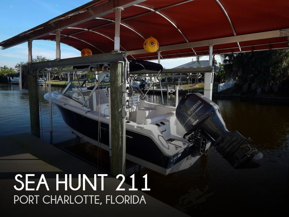 2015 Sea Hunt boat for sale, model of the boat is Escape 211 LE Dual Console & Image # 1 of 40