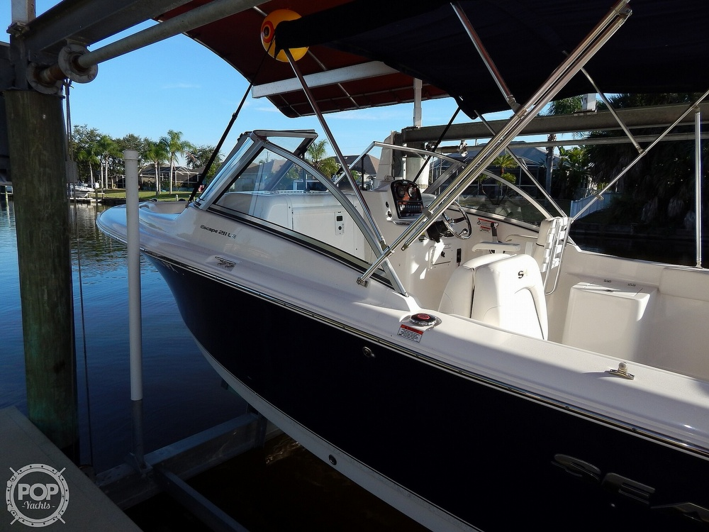 2015 Sea Hunt boat for sale, model of the boat is Escape 211 LE Dual Console & Image # 2 of 40