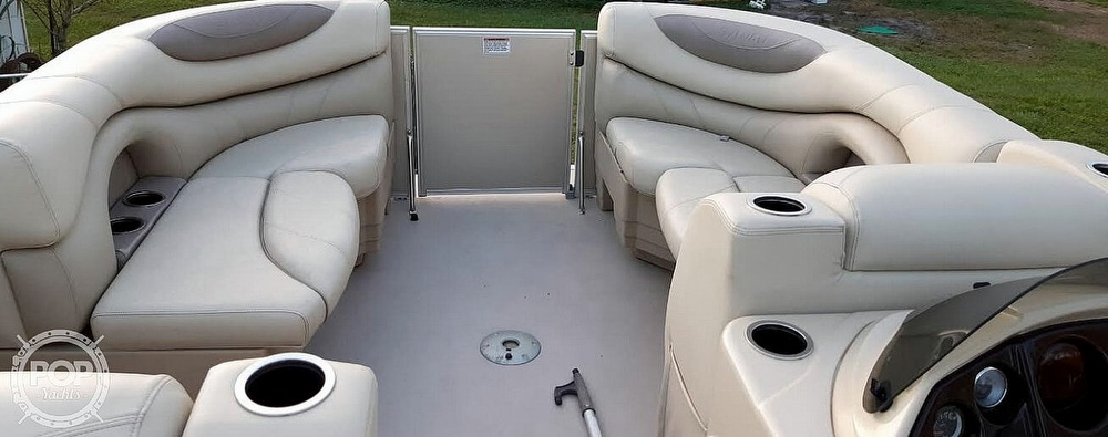 2017 Sylvan boat for sale, model of the boat is Mirage 820 & Image # 4 of 40
