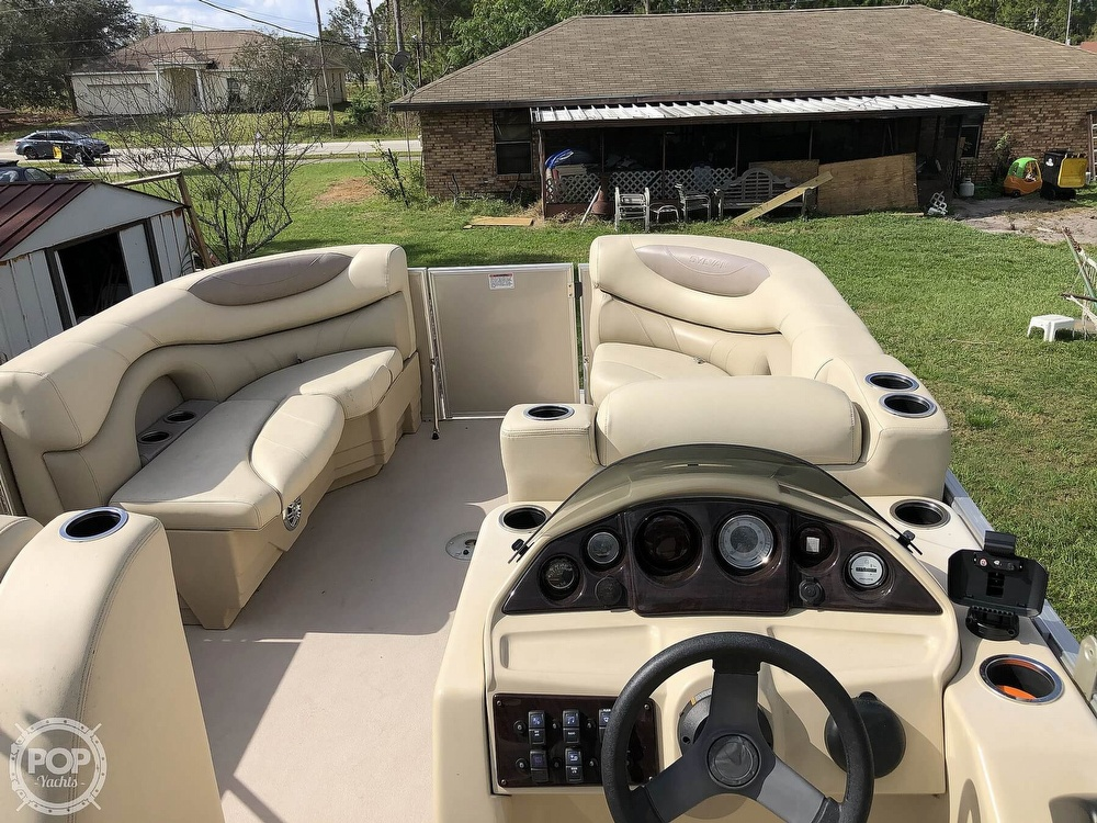 2017 Sylvan boat for sale, model of the boat is Mirage 820 & Image # 2 of 40