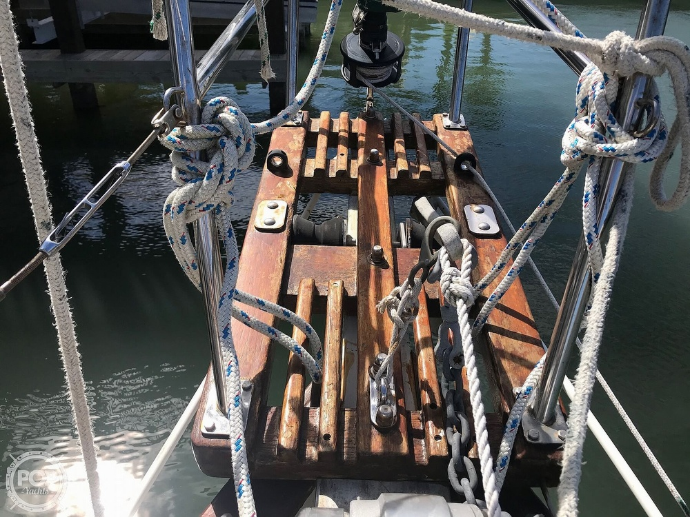 1985 Pacific Seacraft boat for sale, model of the boat is Dana 24 & Image # 11 of 40