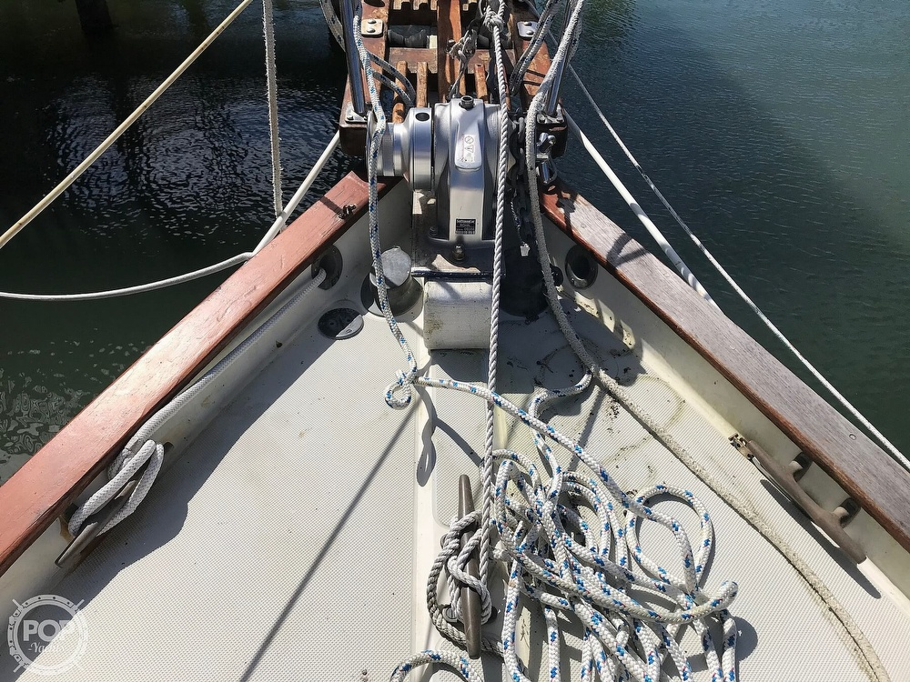 1985 Pacific Seacraft boat for sale, model of the boat is Dana 24 & Image # 13 of 40