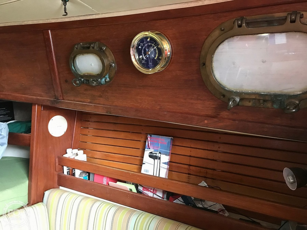 1985 Pacific Seacraft boat for sale, model of the boat is Dana 24 & Image # 19 of 40