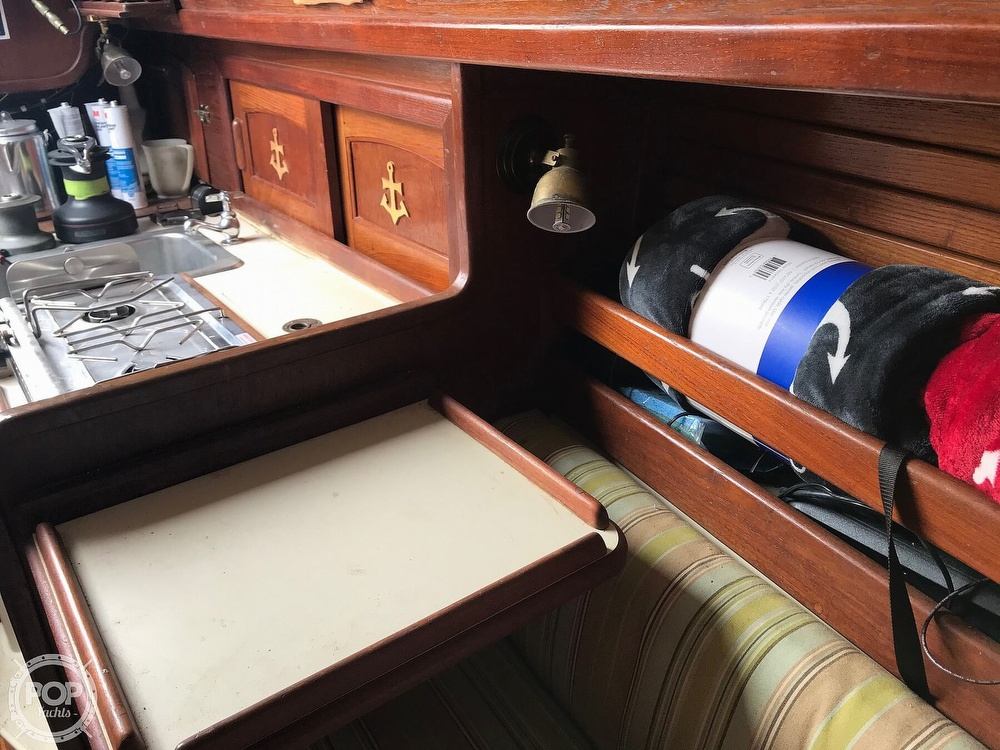 1985 Pacific Seacraft boat for sale, model of the boat is Dana 24 & Image # 24 of 40